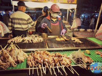 Taiwanese food vendor in Cijin Island Kaohsiung
